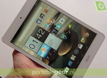 Acer Iconia A1-830: 8-inch display